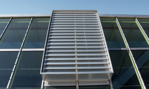 Bild einer Roda RWA Anlage Smokejet auf einer Dachschräge